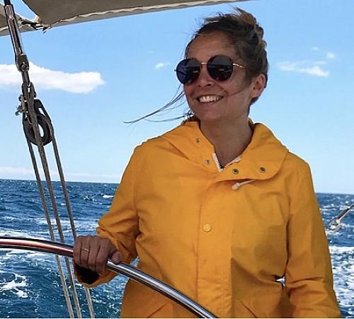 Annya Crane, investigadora